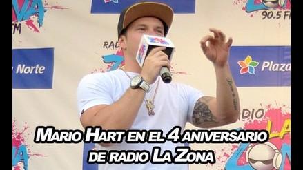 Mario Hart en el aniversario de radio La Zona