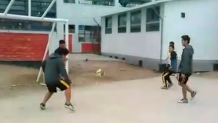 Facebook: escolares parodian el gol que hizo Raúl RuiDíaz a Brasil