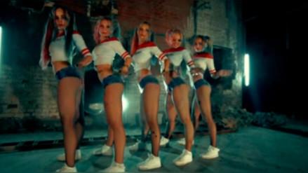 YouTube: Chicas rusas vestidas de 'Harley Quinn'  alborotan con sexy Trekking