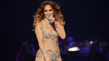 Jennifer Lopez ensaya sus movimientos sensuales y deja ver más de la cuenta
