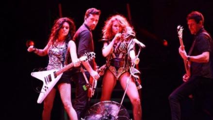 OMG! Paulina Rubio sufrió aparatosa caída en pleno concierto