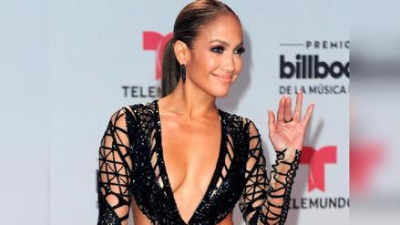 Billboard 2017: Jennifer Lopez se robó la mirada de todos con impactante escote