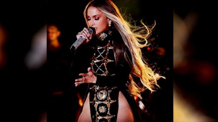 Instagram:  Jennifer López cantó sin ropa interior en pleno concierto