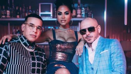 Se viene tremendo junte con Daddy Yankee, Natti Natasha y Pitbull