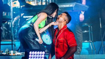 Natti Natasha y Romeo Santos bailan pegaditos una bachata