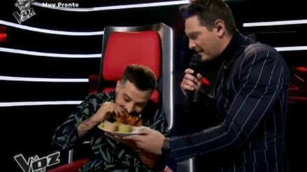 Mike Bahía probó una pollada por primera vez y esta fue su reacción [VIDEO]