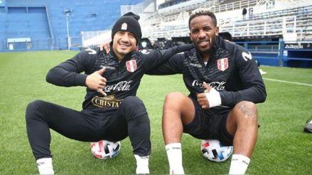 """Selección peruana: Gianluca Lapadula comparte foto con Farfán """"el rey del chocolate"""""""