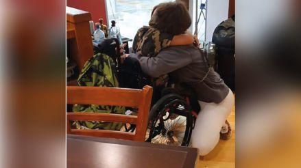 Sheyla Rojas se reencuentra con su hijo Antoñito en México