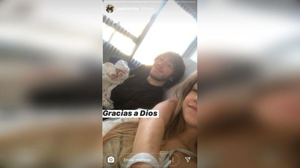 Aquí se le ve a Paulo Londra junto a su pareja, Rocío Moreno, y su pequeña beba recién nacida.