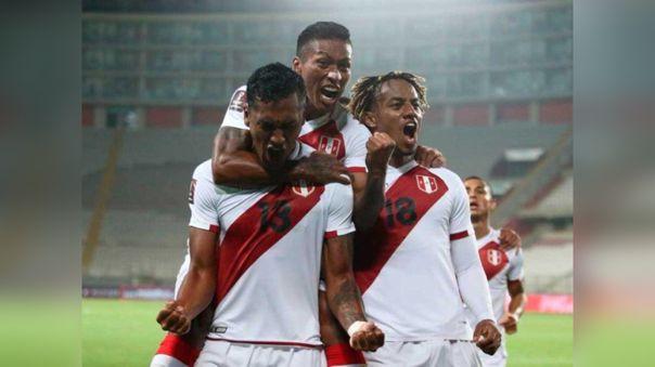 El posible once para el Perú vs. Chile incluyendo a Gianluca Lapadula