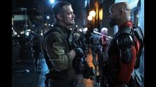 Rick Flagg es el líder oficial de Escuadrón Suicida, normalmente Deadshot encabeza el grupo cuando se ven en una situación difícil. Esta imagen muestra claramente la tensión entre ambos líderes.