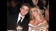 JUSTIN TIMBERLAKE - BRITNEY SPEARS. La pareja fue la más popular del pop hasta el 2002, cuando se separaron. La cobertura mediática que recibieron juntos fue inédita.