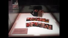 El 23 de septiembre de 1889, Fusajiro Ymauchi empezó a producir las tradicionales