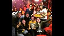 Andysane, Monique Pardo, Chino Toguchi Franda y Pelaez con el equipo de Studio92