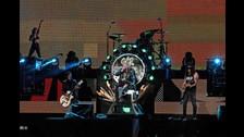 GUNS N' ROSES. El primer país latinoamericano que vio la reunión de la banda fue México. En dos fechas (19 y 20 de abril) el grupo se presentó en el país. Por si fuera poco, el 29 de noviembre darán un tercer concierto allí.