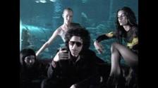 LOCO - Andrés Calamaro  ¿Sabías que esta canción le trajo muchos problemas a Calamaro? Quisieron censurarlo por esa parte en la que dice