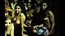 ELECTRIC LADYLAND (Jimi Hendrix) La portada británica del álbum de 1968 era una gran foto de 19 mujeres desnudas. Fue censurada al ser considera