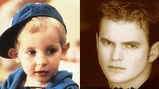 LORNE SUSSAMAN también dejó la actuación. Él interpretaba al niño Mikey con rizos en aquella película en la que el bebé tenía una hermana. Tampoco se sabe mucho de él, pero existe una foto que lo mostraría como luce actualmente.