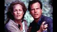 Tornado (1996): El filme dirigido por Jan de Bont juntó a Bill Paxton con la actriz Helen Hunt donde interpretaban a unos caza tornados que buscan crear un sistema de alertas del temporal.