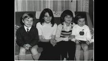 Aquí posa junto a su hermana mayor y sus dos hermanos menores.