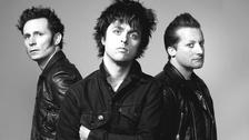 1. Hace unos días un diario local confirmó que U2 estaría cerrando las negociaciones para una fecha en Lima este año. Según la publicación, un detalle importante a resolver es la fecha, porque hay otra banda grande que se presentaría en Lima en noviembre. Muchos creen que esta banda sería Green Day.
