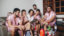 Novia ingeniera invitó a sus amigos a su sesión de fotos de boda