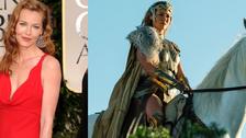 Connie Nielsen como Hippolyta: La Reina de las amazonas y madre de Wonder Woman.