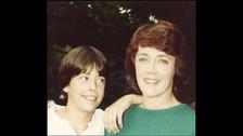 Los padres de Dave Grohl se divorciaron cuando él era un adolescente.
