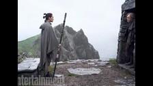 Rey y Luke se encuentran.