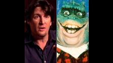 Earl Sinclair era interpretado por Bill Barretta, famoso marionetista norteamericano que actualmente tiene 53 años.