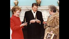 Ronald Reagan era el presidente de Estados Unidos, el hombre más poderoso del mundo en tensión constante con la aún existente Unión Soviética.
