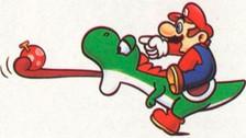 Seguro recuerdas que Yoshi sacaba la lengua para comer algunas cosa que le servían a Mario. Originalmente Mario golpeaba a Yoshi para que este abriera la boca. Luego esta muestra de violencia se cambió por la mano de Mario apuntando a alguna cosa.