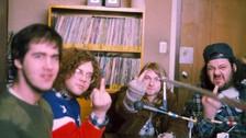 Kurt Cobain junto a su banda