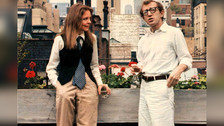 Annie Hall (1977): ¿Vestirse con pantalon y corbata puede ser posible? Claro, y una joven Diane Keaton lo demostró en este filme de Woody Allen.