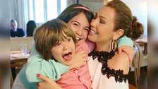 Mira el gran parecido físico de la hija de Thalía con su mamá.