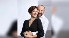 Así lucen los actores que interpretaron a Sherezade y Onur  en la novela turca  'Las mil y una noches' luego de 13 años.